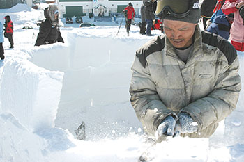 Iqaluit's spring festival, Toonik Tyme, which starts April 7, features igloo-building and bannock-making competitions. (FILE PHOTO)