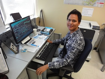 Jarvis Usuituaryuk of Salluit, who has lived in Montreal for seven years, hopes the Ivirtivik training program will prepare him for a job as an office worker. (PHOTO BY JANE GEORGE)