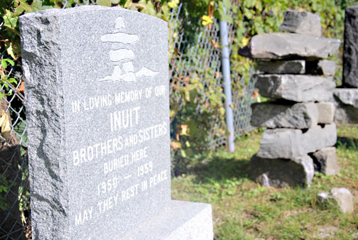 This monument in Kahnawake, QC pays tribute to 15 Inuit who died after leaving the North for Montreal. Members of the Mohawk community's United Church unveiled the monument during a ceremony Sept. 10. (PHOTO BY JORDAN STANDUP)