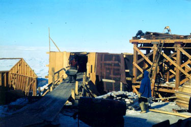 Inuit employees work at the nickel mine in this undated photo. (GN ARCHIVES)
