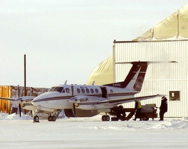 Yellowknife-based Air Tindi, which handles all flight operations for Aqsaqniq Airways Ltd., which now holds the Government of Nunavut medevac contract for the Kitikmeot region, readies a King Air for a flight out of Cambridge Bay. (PHOTO BY JANE GEORGE)
