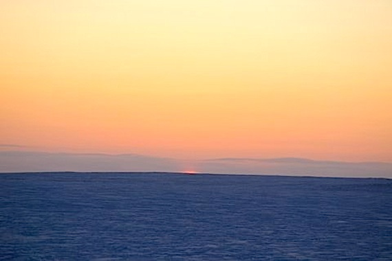 Here you can see the sun setting in Cambridge Bay at 12:09 p.m. on Nov. 29. People in the western Nunavut community won't see it rise again Jan. 11, 2013. (PHOTO BY DENISE LEBLEU)