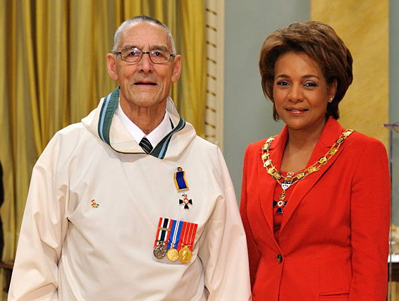 The late Ollie Ittinuar with Michaëlle Jean, then the Governor General, during a ceremony held Jan. 30, 2009 at Rideau Hall in Ottawa, where Ittinuar received an Order of Military Merit medal for his work with the Canadian Rangers.  Ittinuar, 93, died last night at his home in Rankin Inlet.