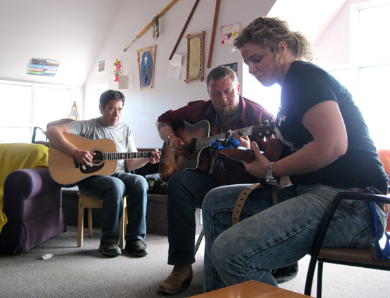 J.P. Cormier and Emily Dingwall of Cape Breton, N.S. jam with Billy Kuksuk of Arviat at the elders qammaq in Iqaluit during the Alianait festival in Iqaluit, July 1. The trio improvised sets around folk tunes from Atlantic Canada and the Kivalliq region. (PHOTO PETER VARGA)