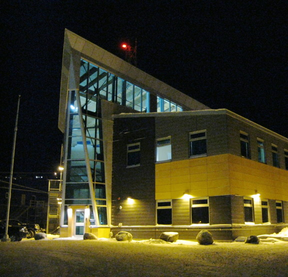 Iqaluit's RCMP detachment reported an ongoing decline in police arrests and detentions since 2009. The detachment's priorities for 2014 include checks for vehicle safety violations, and added efforts to combat bootlegging and drug-trafficking. (FILE PHOTO)
