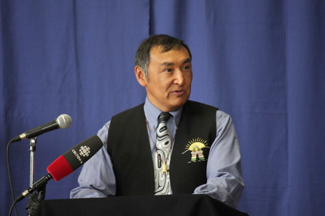 Justice Minister Paul Okalik welcomed Mike Jeffrey as Nunavut's 7th commanding officer of Nunavut's