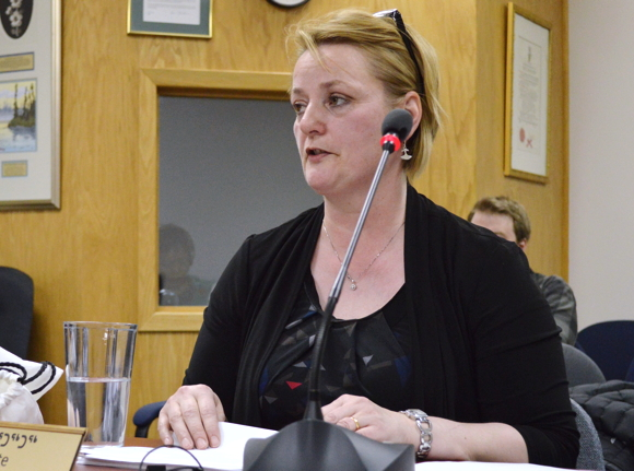 Pat Angnakak appears before Iqaluit city councillors Jan. 13 to pitch the Sailivik Society's plan to build a new elders care facility in Nunavut's capital. City councillors gave her official support Jan. 26. (PHOTO BY STEVE DUCHARME)