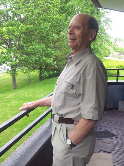 Gunther Abrahamson in May 2014, at his home in the Glebe neighbourhood of Ottawa. (PHOTO BY MARION SOUBLIÈRE)