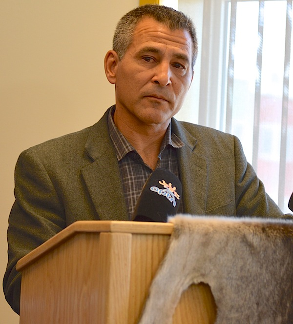 Nunavut MP Hunter Tootoo speaks July 27 to a gathering in his constituency office in Iqaluit — his first public appearance since resigning as minister in the Liberal government and leaving the Liberal caucus.