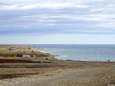 Passengers from the Crystal Serenity will get a close look at the rugged Arctic Ocean coastline when they stop Aug. 29 in the western Nunavut town of Cambridge Bay. (PHOTO BY JANE GEORGE)