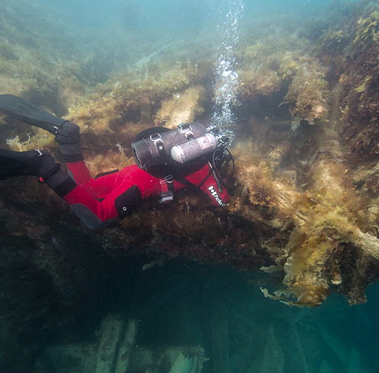 Parks Canada underwater archaeologists explore the site of the HMS Erebus in summer 2016. (PHOTO COURTESY PARKS CANADA)