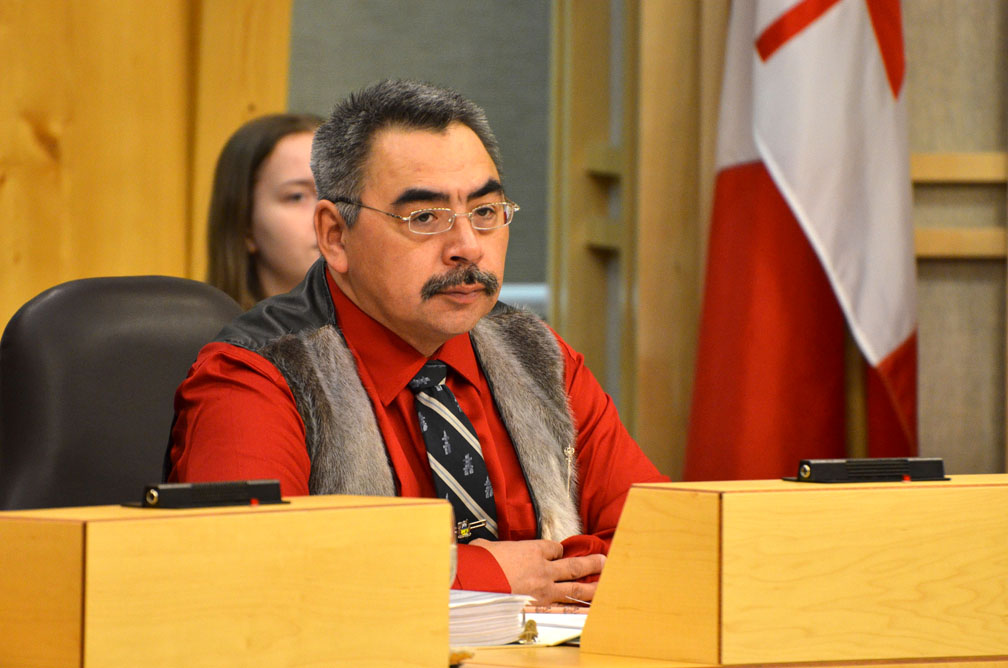 Nunavut minister defends criminal record vetting system for