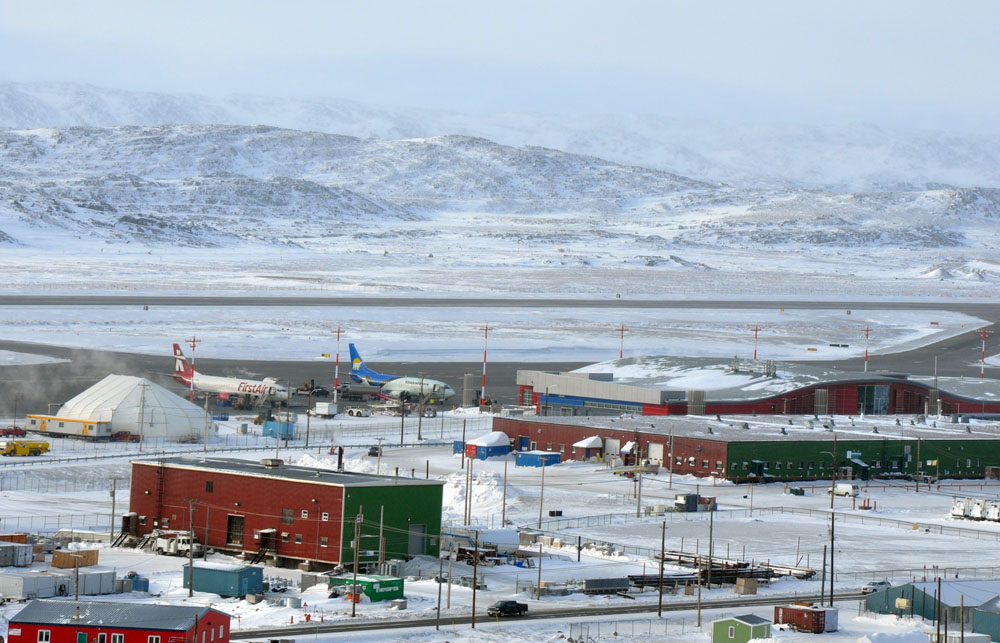 Four bidders vying for Nunavut's new air travel contracts