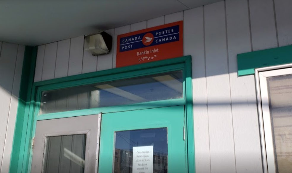 Nunavut community frustrated with temporary post office closure