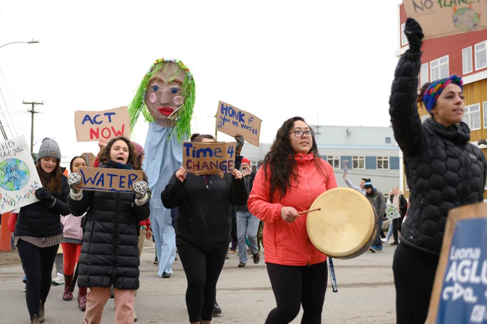 ᐱᖓᓱᑦ ᒪᓕᒐᓕᕆᓂᕐᒥᑦ ᐱᓇᓱᐊᒐᖃᖅᑐᑦ ᐱᓂᐊᕐᓂᕋᒻᒪᕆᒃᐳᑦ ᓄᓇᕗᒥᑦ ᑏᓱᓪ ᐅᕐᓱᐊᓗᖕᒥᑦ ᐊᑐᓗᐊᖃᑦᑕᕐᓂᖏᑦ ᓄᖃᖅᑎᑕᐅᓂᐊᕐᓂᕋᖅᖢᒍ 2030 ᑎᑭᓚᐅᕐᑎᓪᓗᒍ | Nunatsiaq News